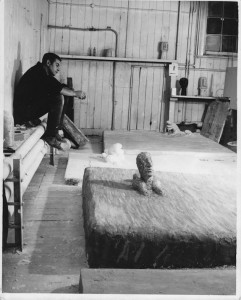 112. Edwin Pickett with 'Sphinx' 1960s